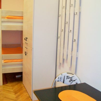 Galerija: Orange Room - Četverokrevetna soba hostel Zagreb