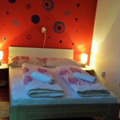 Gallery: Chameleon Room 1 - double bed and private bathroom